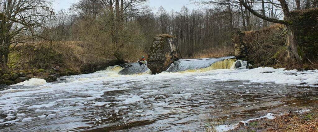 Сплав на байдарке по реке Страча